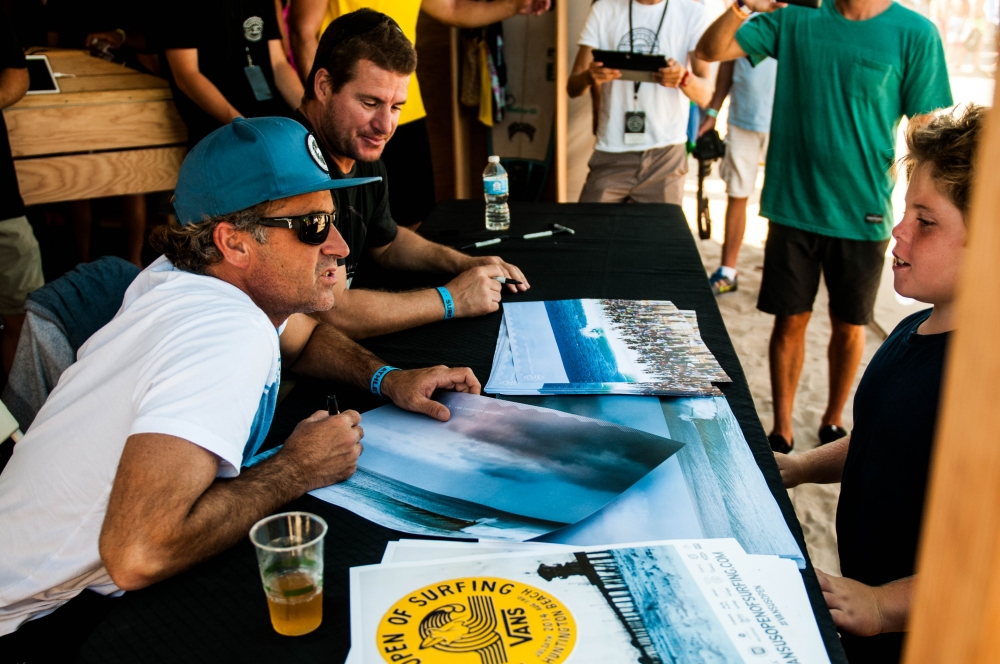 d6_lifestyle_brandonmeans_tom_and_occy_autograph_signing__large