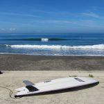 夏の良い波とニューボード